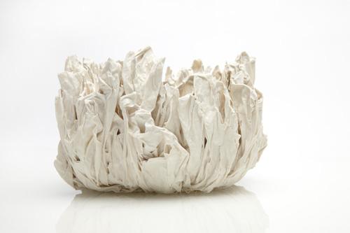 En af de første forsøg med cord-porcelæn (porcelæn på avispapir)